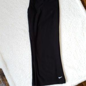 Nike Drifit Black Wide Leg Flare Capri Size Small